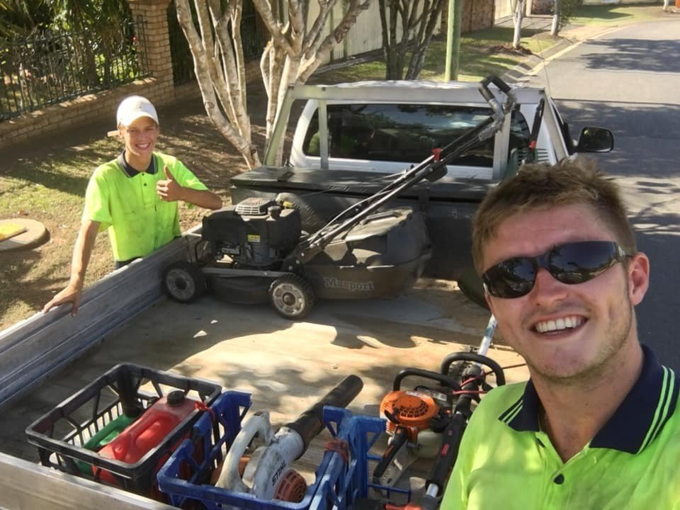 Gus-Holden-and-Dalton-showing-off-their-clean-ute-to-1300-4-Gardening